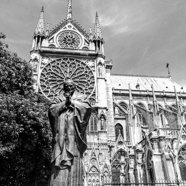 Juan Pablo II. #Europa #RoadTrip #Paris #France #Travel #Photographers #BN #LetsExplore #LU