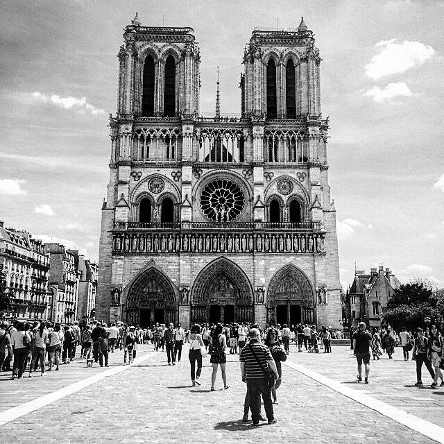 Notre Dame. #Europa #RoadTrip #Paris #France #Travel #Photographers #BN #LetsExplore #LU