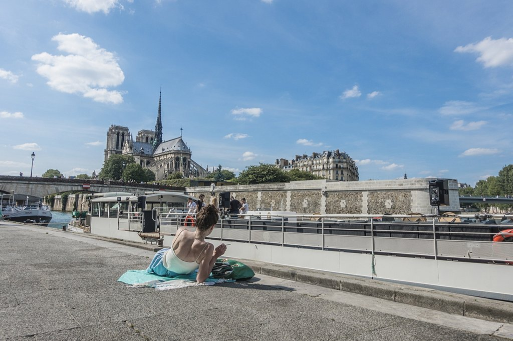 Notredame relax.